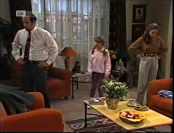 Philip Martin, Hannah Martin, Julie Robinson in Neighbours Episode 1921