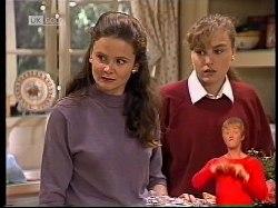 Julie Martin, Debbie Martin in Neighbours Episode 1978