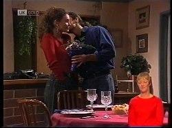 Gaby Willis, Wayne Duncan in Neighbours Episode 1978