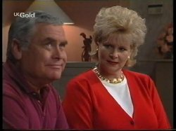 Lou Carpenter, Cheryl Stark in Neighbours Episode 2531