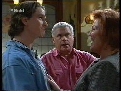 Darren Stark, Lou Carpenter, Cheryl Stark in Neighbours Episode 2653