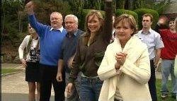 Sky Mangel, Harold Bishop, Lou Carpenter, Steph Scully, Susan Kennedy, Stuart Parker, Stingray Timmins in Neighbours Episode 4605