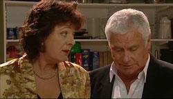 Mishka Schneiderova, Lou Carpenter in Neighbours Episode 5105