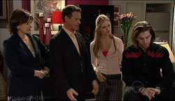 Lyn Scully, Paul Robinson, Elle Robinson, Dylan Timmins in Neighbours Episode 5106