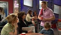 Elle Robinson, Lyn Scully, Boyd Hoyland, Oscar Scully in Neighbours Episode 5106