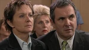 Susan Kennedy, Valda Sheergold, Karl Kennedy in Neighbours Episode 5340