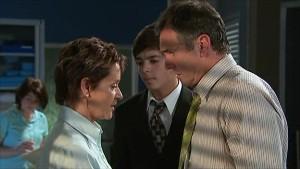 Susan Kennedy, Zeke Kinski, Karl Kennedy in Neighbours Episode 5340