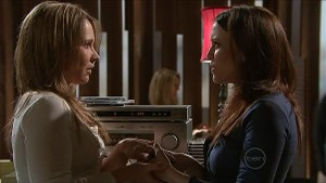 Steph Scully, Libby Kennedy in Neighbours Episode 5342
