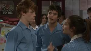 Justin Hunter, Zeke Kinski, Rachel Kinski in Neighbours Episode 5398