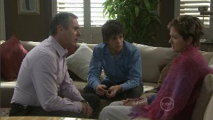 Karl Kennedy, Zeke Kinski, Susan Kennedy in Neighbours Episode 5398