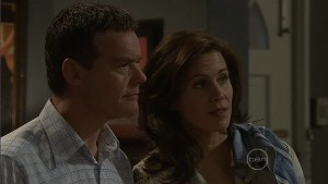 Paul Robinson, Rebecca Napier in Neighbours Episode 5398