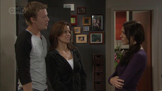 Oliver Barnes, Rebecca Napier, Carmella Cammeniti in Neighbours Episode 5492