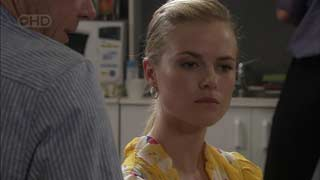 Elle Robinson in Neighbours Episode 5494