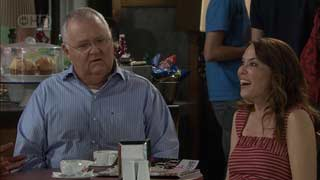 Harold Bishop, Libby Kennedy in Neighbours Episode 5495