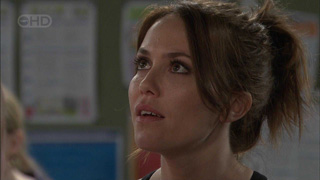 Libby Kennedy in Neighbours Episode 5501
