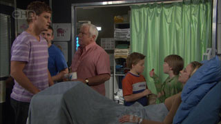 Ned Parker, Toadie Rebecchi, Lou Carpenter, Callum Jones, Mickey Gannon, Kirsten Gannon in Neighbours Episode 5508