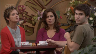 Susan Kennedy, Rebecca Napier, Declan Napier in Neighbours Episode 5508