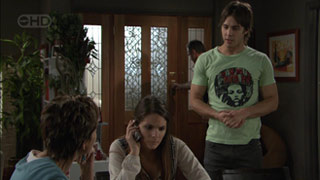 Susan Kennedy, Rachel Kinski, Karl Kennedy, Ty Harper in Neighbours Episode 5513
