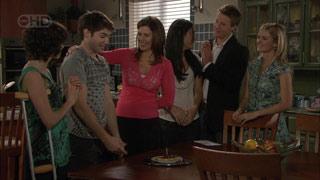 Bridget Parker, Declan Napier, Rebecca Napier, Carmella Cammeniti, Oliver Barnes, Elle Robinson in Neighbours Episode 5513