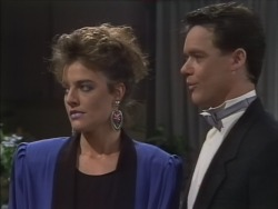 Gail Robinson, Paul Robinson in Neighbours Episode 0513