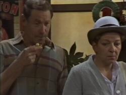 Malcolm Clarke, Eileen Clarke in Neighbours Episode 0637