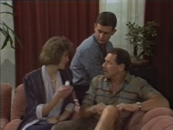 Beverly Marshall, Des Clarke, Malcolm Clarke in Neighbours Episode 0637