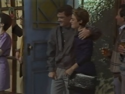 Paul Robinson, Gail Robinson in Neighbours Episode 0637