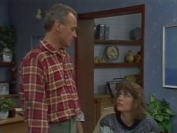 Jim Robinson, Beverly Robinson in Neighbours Episode 0668