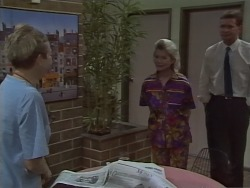 Eileen Clarke, Helen Daniels, Des Clarke in Neighbours Episode 0668