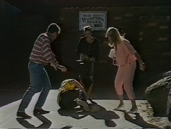 Gail Robinson, Jane Harris in Neighbours Episode 0690