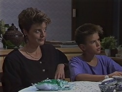 Gail Robinson, Todd Landers in Neighbours Episode 0690