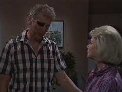 Frank Darcy, Helen Daniels in Neighbours Episode 0690