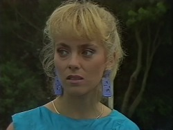 Jane Harris in Neighbours Episode 0701