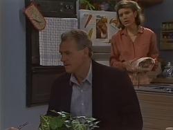 Jim Robinson, Helen Daniels in Neighbours Episode 0701