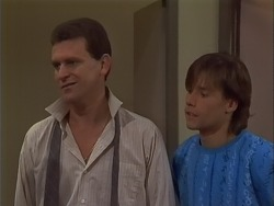 Des Clarke, Mike Young in Neighbours Episode 0701