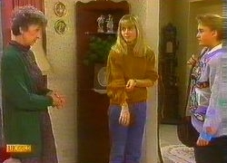 Nell Mangel, Jane Harris, Bronwyn Davies in Neighbours Episode 0766