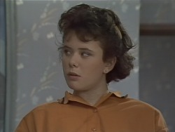 Lucy Robinson in Neighbours Episode 0772
