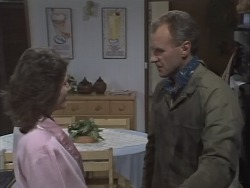 Beverly Marshall, Jim Robinson in Neighbours Episode 0820