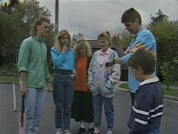 Henry Ramsay, Jane Harris, Sharon Davies, Bronwyn Davies, Joe Mangel, Toby Mangel in Neighbours Episode 0855