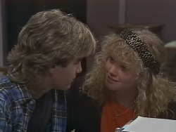 Nick Page, Sharon Davies in Neighbours Episode 0855