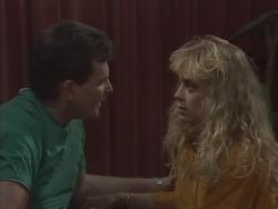 Des Clarke, Jane Harris in Neighbours Episode 0925