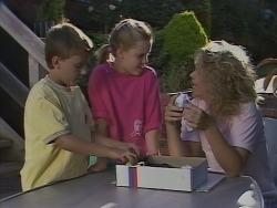 Toby Mangel, Katie Landers, Noelene Mangel in Neighbours Episode 0925