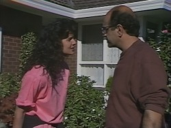 Poppy Skouros, Theo Skouros in Neighbours Episode 0962