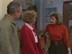 Jim Robinson, Madge Bishop, Beverly Marshall in Neighbours Episode 1041