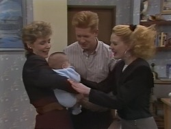 Beverly Robinson, Baby Rhys, Clive Gibbons, Melanie Pearson in Neighbours Episode 1076