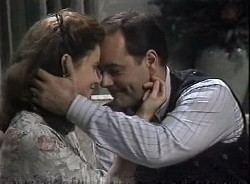Julie Martin, Philip Martin in Neighbours Episode 1727