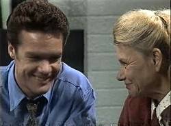 Paul Robinson, Helen Daniels in Neighbours Episode 1727