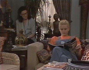 Dorothy Burke, Phoebe Bright in Neighbours Episode 1816