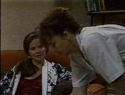 Julie Robinson, Pam Willis in Neighbours Episode 1849
