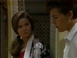 Julie Robinson, Michael Martin in Neighbours Episode 1849
